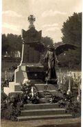 CPA N°5719 - LES HERBIERS - LE MONUMENT AUX MORTS - CARTE PHOTO - MILITARIA 14-18 - Les Herbiers