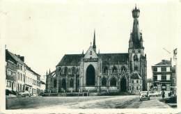 WALCOURT - La Basilique Et La Place - Walcourt