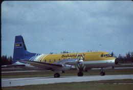 SLIDE / AVION / AIRCRAFT   KODAK  ORIGINAL    HS 748   BAHAMAS AIR   C6-BED - Diapositive