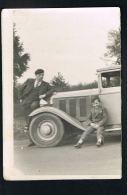 PHOTO- Cabine Et Capot  AUTO - Conducteur Et Enfant - Noir Et Blanc -Format 13 X 9 -Paypal Sans Frais - Automobiles