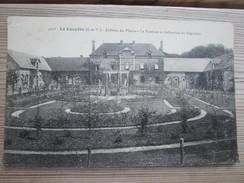 35 La Couyere. Chateau Du Plessis. La Roseraie Et Haitation Du Regisseur. - France