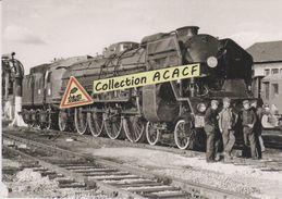 Après Son Dernier Train, La Loco 241 P 9 Rentre Au Dépôt Du Mans (72) - - Matériel