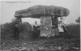 Dolmen De Saint Fort Sur Le Né - Frankreich
