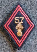 Ecusson à Coudre, Patch -  Losange Modèle 45 Du 57° RI Régiment D'infanterie (sous-officier) Chiffres & Grenade - Ecussons Tissu