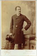 Photo Cabinet. Homme Avec Moustache & Gibus. Foto Ganz, Bruxelles. - Fotos