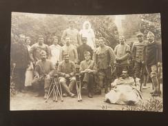 CPA Carte Photo De Groupe, Bléssés De Guerre, Hopital Temporaire 106 Eme D'Infanterie, Le Puy 1918 - Guerre 1914-18