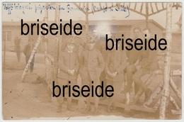 UFFICIALI DI BOLOGNA PRIGIONIERI A CELLE GERMANIA WWI CELLELAGER SCHEUEN MILITARI SELLMANN PHOTOGRAPH FOTO CARTOLINA - Guerra 1914-18