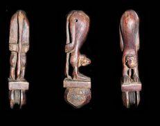 Ancienne Poulie Hanuman / Hanuman Featured In A Vintage Weaving Wheel From Burma - Art Asiatique