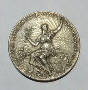 VAUD - Medaille Du  Centenaire De L'INDEPENDANCE (1798 - 1897) Metal Blanc / 37 Mm - SUISSE / SWITZERLAND - Otros
