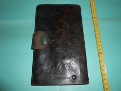 Portefeuille Ancien En Cuir - Purses & Bags