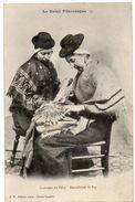 Folklore - Artisanat - Costumes Du VELAY - Dentellières Du PUY ( Haute Loire ) - Ed. D. P. Lyon - Artisanat