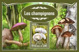 Guinee 2017 Mushrooms Food S/S GU17320 - Cactusses