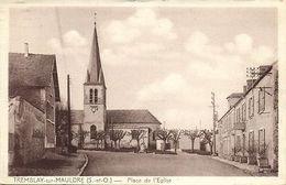 CPA Tremblay-sur-Mauldre - Place De L'Eglise (103110) - Frankreich