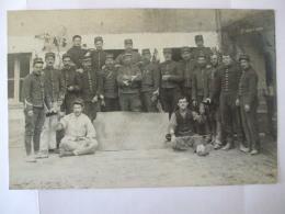 """21052017 - 37 - JOUE LES TOURS  -  CARTE PHOTO DE MILITAIRES PENDANT LA CAMPAGNE 1914 """" MESS DES SOUS - OFFICIERS  """" - Altri Comuni"""