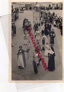 87 - LE DORAT - PHOTO ORIGINALE OSTENSIONS-BANNIERE MORT JE FERAIS UNE PLUIE DE ROSES - Photographs