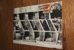 Escalier Louis XIII Rue Lastié (animée) 1933 - Cahors