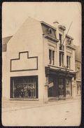 FOTOKAART WERVICQ - WERVIK --- Zicht Op Winkelpand 1925 - Kledinghandel Huis DERYCKERE - Wervik