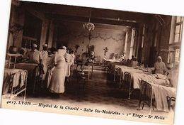 CPA Lyon-Hopitale De La Charité-Salle Ste Madeleine (236138) - France