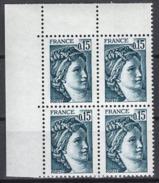 FRANCE 1977 / 1978 - BLOC DE 4 TP Y.T. N° 1966 COIN DE FEUILLE - NEUFS** - Frankreich