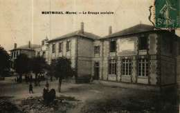 CPA   (51)   MONTMIRAIL  -   Le Groupe Scolaire - Montmirail