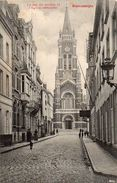 BLANKENBERGHE  -  La Rue Du Moulin Et L' Eglise Restaurée - Blankenberge