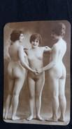 PHOTO DE 3 FEMMES NUES CHOREGRAPHIE - Pin-ups