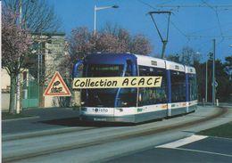 Trolleybus Guidé TVR Bombardier, à Caen (14) - - Tram