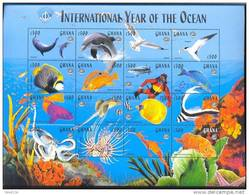 GHANA   2059 ** MINT NEVER HINGED MINI SHEET OF 16 FISH-MARINE LIFE - Vissen