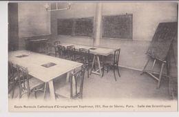PARIS 159 RUE DE SEVRES : ECOLE NORMALE CATHOLIQUE D'ENSEIGNEMENT SUPERIEUR - SALLE DES SCIENTIFIQUES - 2 SCANS - - Enseignement, Ecoles Et Universités
