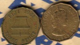 FIJI BRITISH 3 PENCE NATIVE HUT FRONT QEII HEAD BACK 1961 VF KM? READ DESCRIPTION CAREFULLY!! - Figi