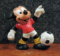 "Figurine MICKEY Footballeur ""Bully 3 West Germany"" - Disney"