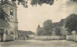 CORVOL L'ORGUEILLEUX - Place De L'église Et La Chatellenie. - Otros Municipios