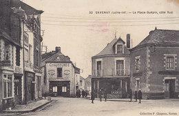 SAVENAY LA PLACE GUEPIN COTE SUD - COIFFEUR - EPICERIE CAFE DU COMMERCE Circulée  1916 - Savenay