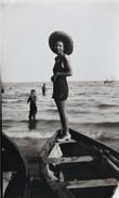 FOTO D'EPOCA ORIGINALE -ANNI 1933 -DONNA IN SPIAGGIA  (130817) - Pin-ups