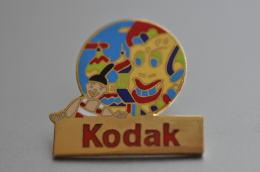 REF M3  : Pin's Pin  : Theme Photogaphie KODAK - Fotografie