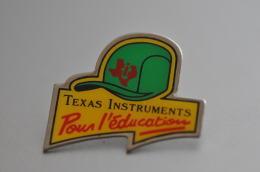 REF M3  : Pin's Pin  : Theme Informatique Texas Instruments - Informatica