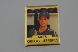 REF M4  : Pin's Pin  : Theme Sport Baseball METS GREGG JEFFERIES - Baseball