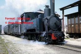Reproduction D'une Photographie D'un Vue D'une Locomotive à Vapeur SFG V60 à San Feliu-Gerone En Espagne En 1969 - Reproductions