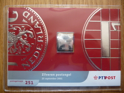 Nederland 2001 Nr 2009 Zilveren Gulden Zegel. In Postzegelmapje - 1980-... (Beatrix)