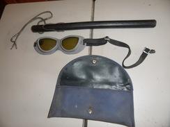 Matraque Plus Lunette De Protection D'un Ancien Garde Mobile Ayant Participé A Mai 68. - Police & Gendarmerie