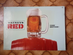 Brasserie - Carton 44 X 31 Cm - WATNEYS RED - VERY BRITISH - Plaques En Carton