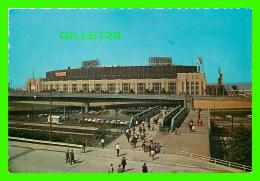 CLEVELAND, OH - CLEVELAND STADIUM FOR FOOTBALL BROWNS & BASEBALL INDIANS - DEXTER PRESS INC - - Cleveland