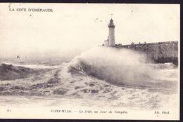 CPA - SAINT MALO (35 - ILLE ET VILAINE) - LA JETEE UN JOUR DE TEMPETE (N° 62) - ANIMEE - Saint Malo