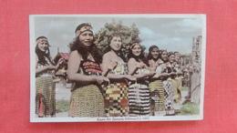 Maroi  Poi Dancers Rotorua  Pin Holes Top Right Corner> New Zealand    Ref 2660 - New Zealand