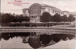 BRUXELLES (1040) : Anciens Musées Royaux Des Arts Décoratifs Et Industriels, Dans Le Parc Du Cinquantenaire. CPA. - Etterbeek