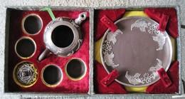 CN. Tea Sets With 4 Cups. Introduction Of Ji Wen Zhaio - Inlaid Tea Set. 12 Scans. TIN-INIAIAIDYIXINGCEREMICSTEASETSSHI - Oriental Art