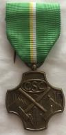 Médaille Syndicat CSC. Médaille Du Travail. Hommage Et Reconnaissance. - Professionnels / De Société