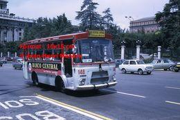 Reproduction D'une Photographie D'un Bus Ligne M1 Avec Publicité Banco Central à Madrid En Espagne En 1972 - Reproductions
