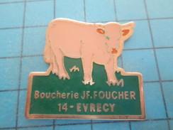 PIN915c Pin's Pins : ANIMAUX : VEAU VACHE BOEUF BOUCHERIE FOUCHER EVRECY  , Rare Et De Belle Qualité !!! - Animaux