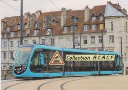 Tramway Urbos 3 CAF (ligne 2), à Besançon (25) - - Besancon